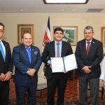 Gobierno firma ley que agilizará atención de emergencias